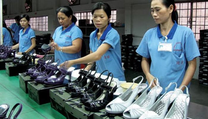 Tại sao nên lấy hàng giày dép Quảng Châu tận xưởng?